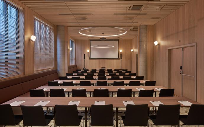 Hotel Zander K - Møtelokalet kan ta opptil ca 78 i klasserom og 132 i kinooppsett.