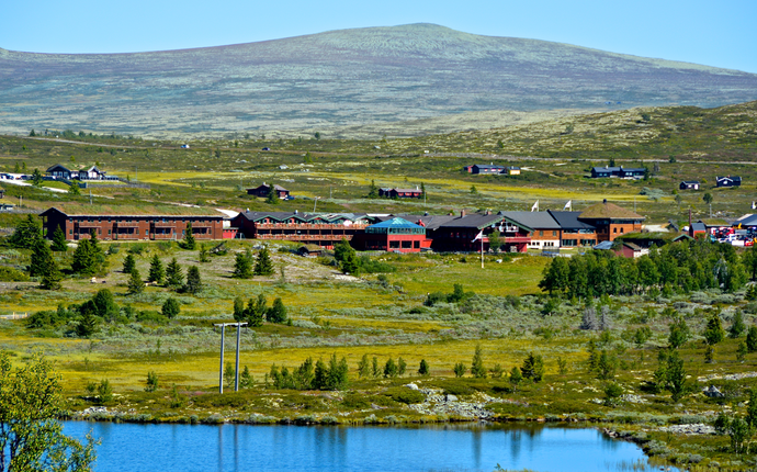 Hotellet ligger i naturskjønne omgivelser. Foto: Julia Hamre