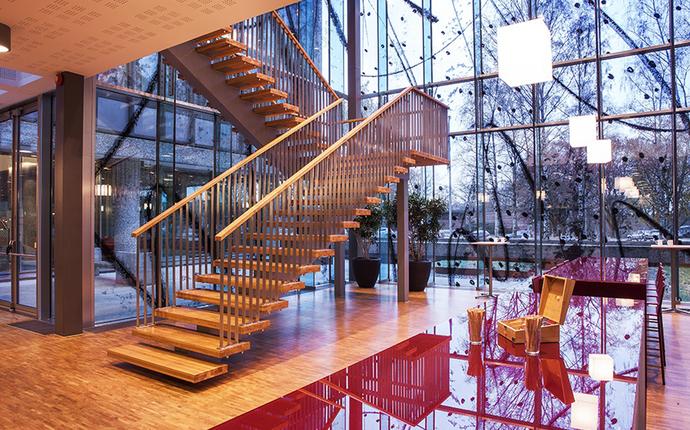 NHO Møtesenter - Mingleområde mot trapp