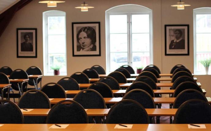 Mølla Hotel Lillehammer - Mølleloftet er vårt største møterom med plass til 60 personer i klasserom