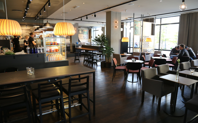 First Hotel Atlantica - Waynes Coffee
