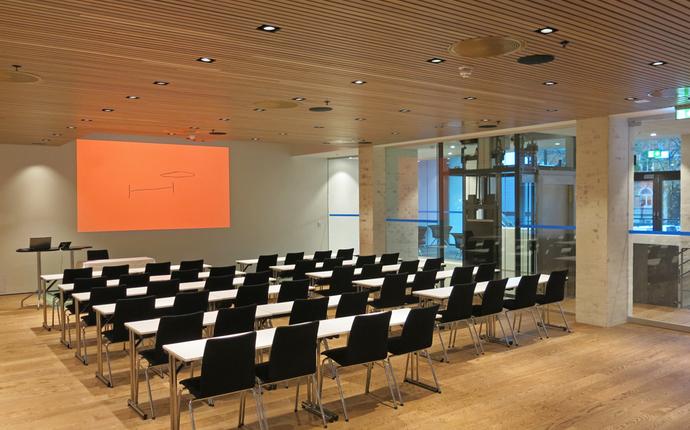 Terminus Forum - Helt nytt og moderne lokalet med eget pauseområdet og utsikt mot hagen.