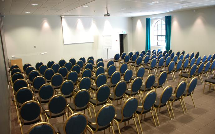 Konferanse til 100 personer