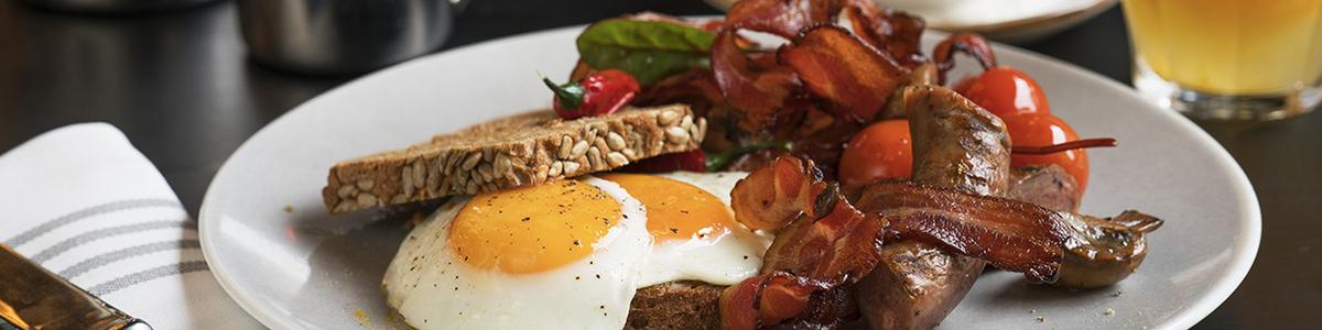 Thon Hotel Lofoten, egg og bacon