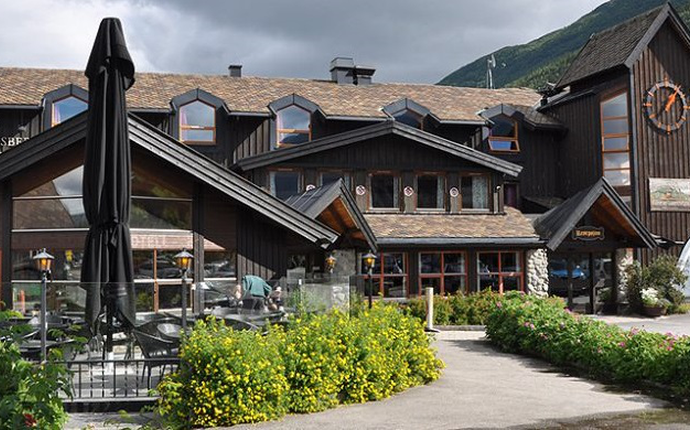 Fossberg hotell
