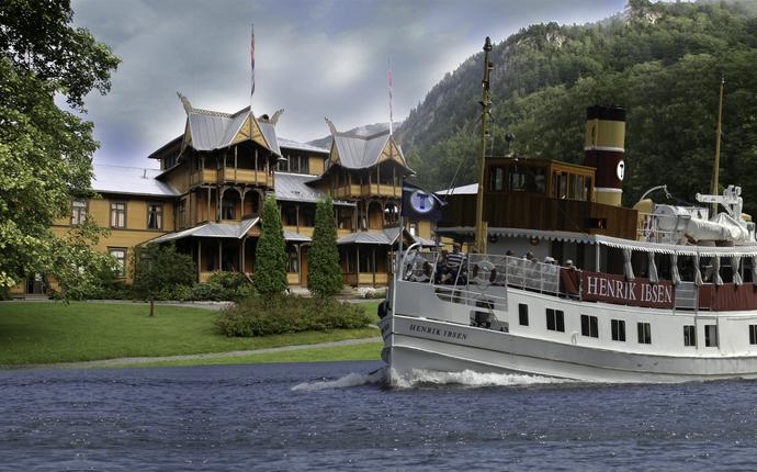Dalen Hotel - MS Henrik Ibsen