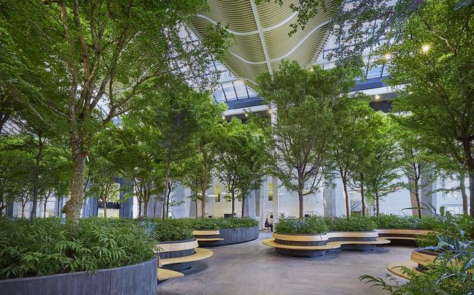 Crowne Plaza Copenhagen Towers - Den 1400 m2 indendørs skov Atrium kan rumme op til 1300 gæster