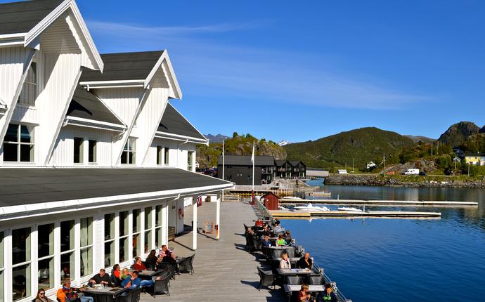 Hotell Hamn i Senja - Uteliv på hovedkaia