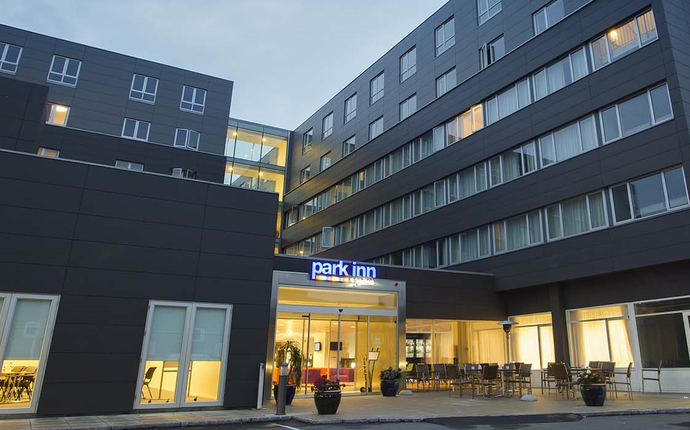 Park Inn by Radisson Copenhagen Airport Hotel