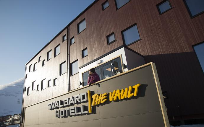 Svalbard Hotell / The Vault - Fasade Svalbard Hotell The Vault