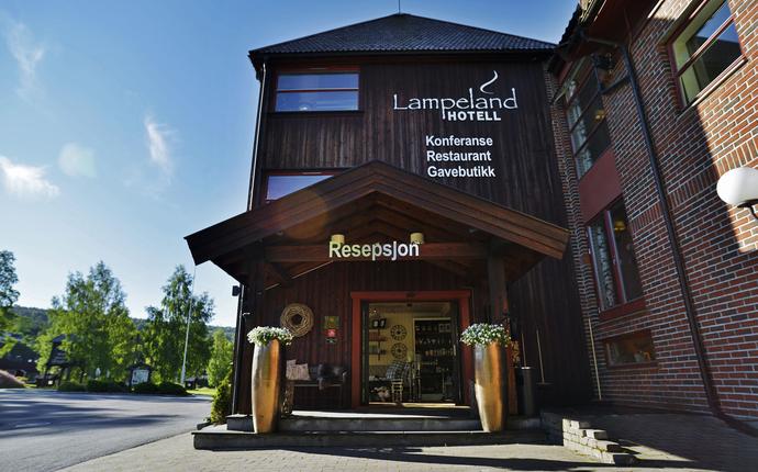 Lampeland Hotell - Hovedinngang