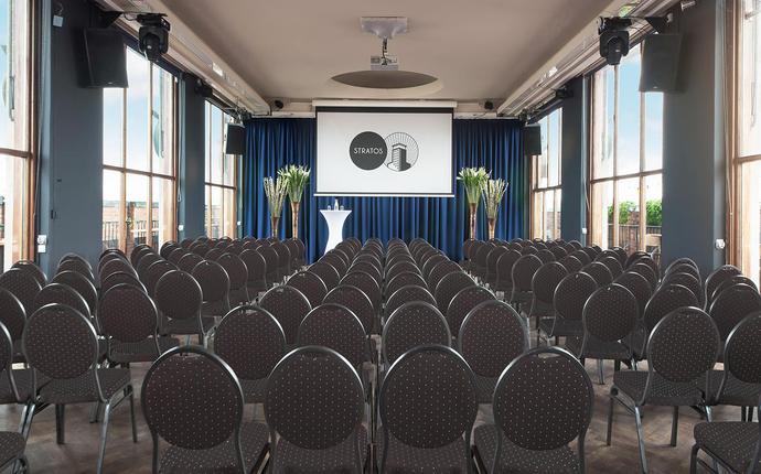 Stratos Konferanse & Selskapslokale - Toppetasjen - ligger i 12.etasje med fantastisk utsikt
