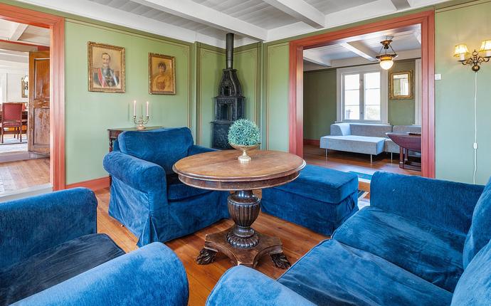 Grevens 1810 - Den blå stue med tilhørende bar