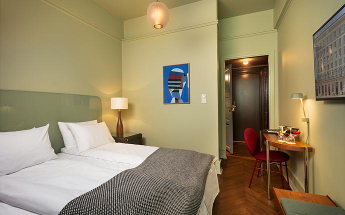Grand Hotel Terminus - I et av våre 131 nyrenoverte hotellrom kan du la deg inspirere, slappe av og nyte et opphold i Berge