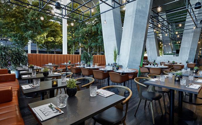 Crowne Plaza Copenhagen Towers - Nyd en middag i restaurant BARK i forbindelse med et møde eller ophold på hotellet