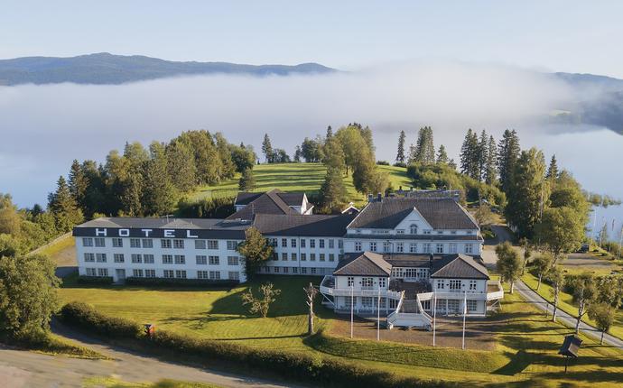 Selbusjøen Hotell & Gjestegård - Sommermorgen