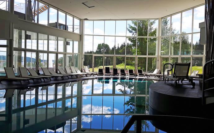 Selma Spa - Selma Spa poolområde inne
