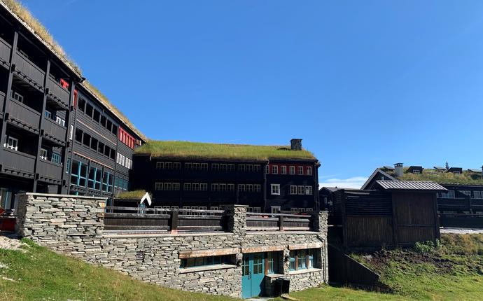 Gudbrandsgard Hotell- midt i hjerte av Kvitfjell - Gudbrandsgard Hotell- sommer